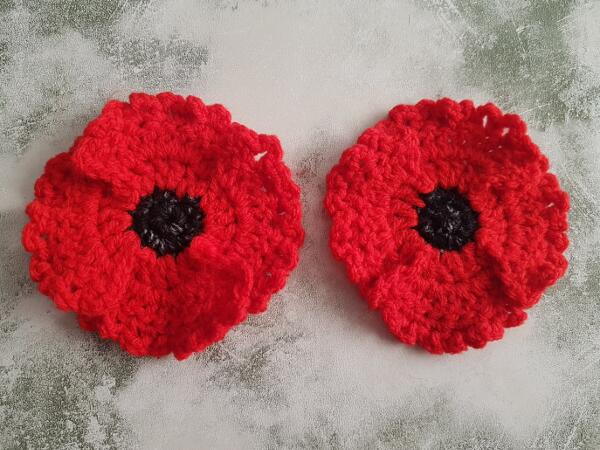 Quick & Easy Crochet Poppy Flower Applique With 4 Petals Free Pattern by Crafting Happiness