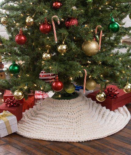 Easy Crochet Christmas Tree Skirt: 12 Free Christmas Tree Skirt Crochet Patterns