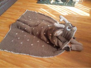 2in1 Woodland Deer Hooded Blanket Crochet Pattern by Crafting Happiness