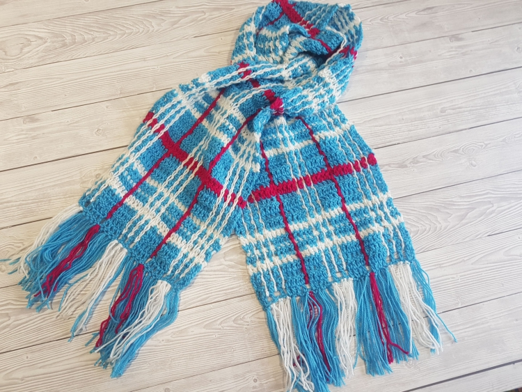Plaid Scarf For Beginners Free Crochet Pattern & Video Tutorial
