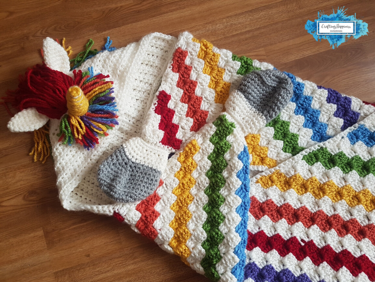 Hooded Unicorn Blanket with Rainbow Blanket In c2c Crochet