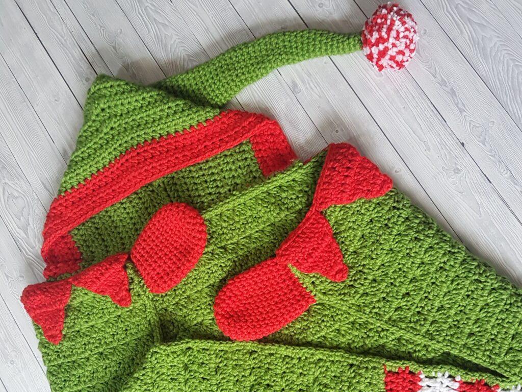 Christmas Elf Hooded Blanket Shop Photo 2