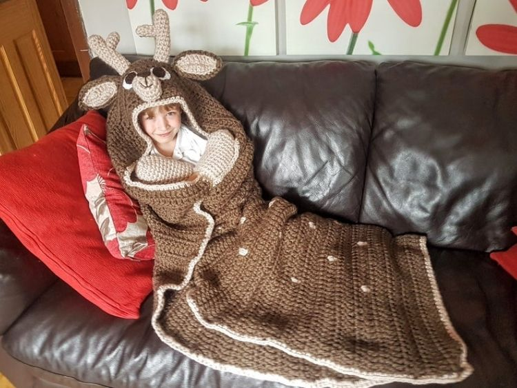 DEER-HOODED-BLANKET-BLOG
